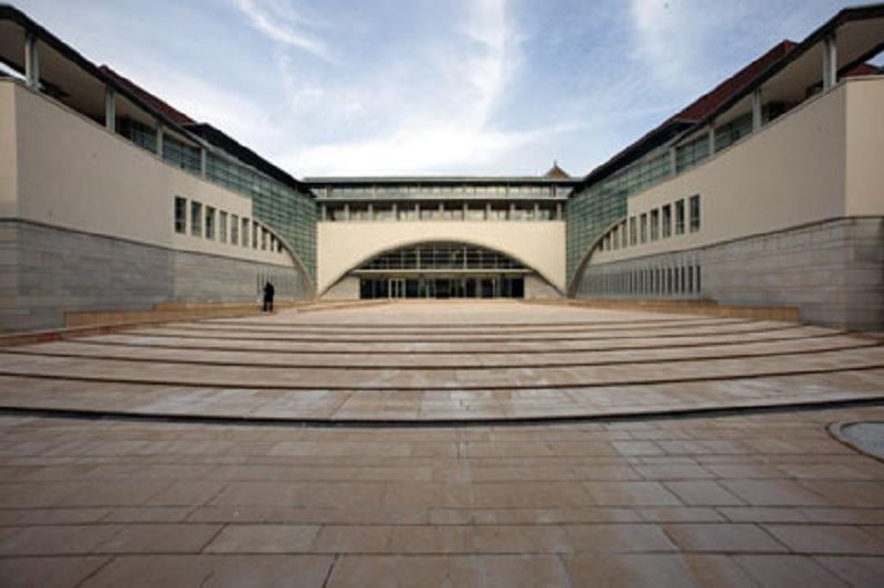 Amiante le chu de besan on devant le tribunal for Tribunal de grande instance salon de provence